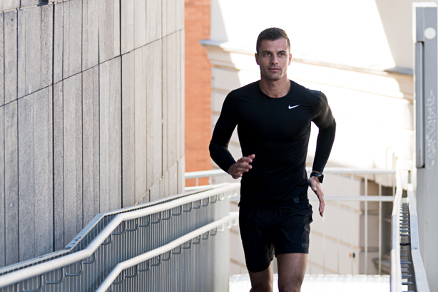 running outdoor with personal trainer - Martin Wieland